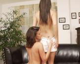 nacktig lesben